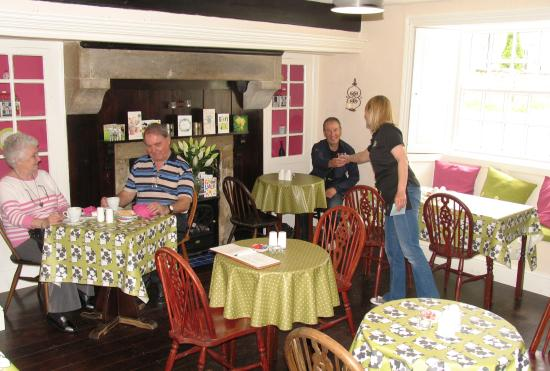 Coxwold, UK: Our relaxed Tearoom