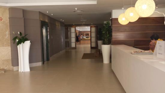 hall d\'entrée - Bild von BQ Can Picafort Hotel, Ca\'n Picafort ...