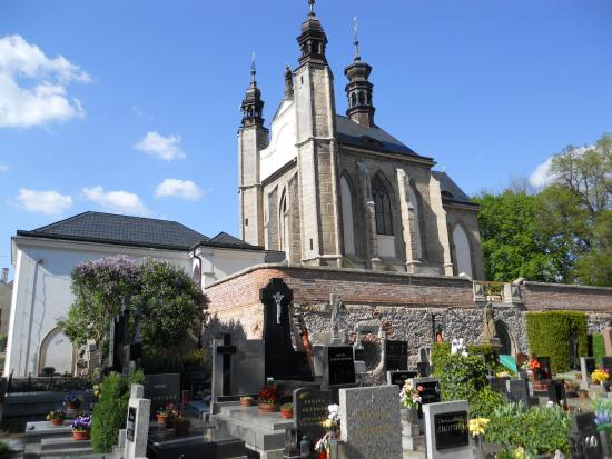 ‪Ossuary / The Cemetery Church‬