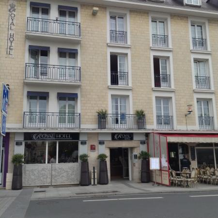 picture of royal hotel caen centre caen tripadvisor. Black Bedroom Furniture Sets. Home Design Ideas