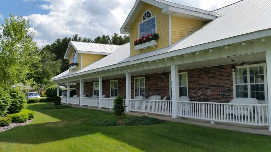 Colonel Williams Lake George Motel and Resort Picture