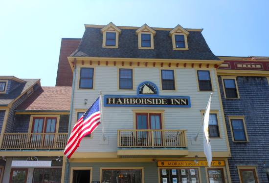 Harborside Inn: From the parking lot.