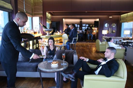 La Terrasse au Palais Faraj Suites & Spa: a drink in the lounge Bar