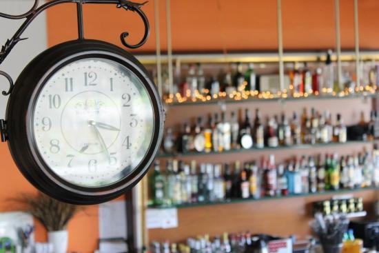 Hotel Halkidona: Inside Bar