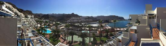 Monte Golf Suites: Views from a top (5th floor) apartment at Monte Golf Suits in Gran Canaria looking over Playa de