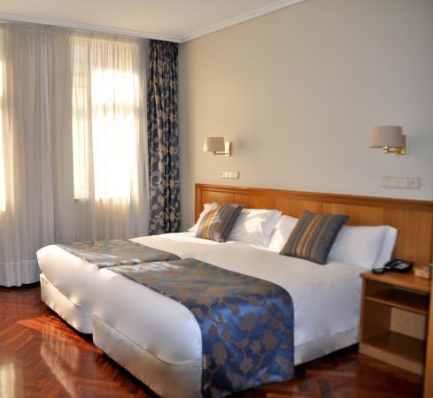 Hotel Crunia - A Coruña: Habitación standard