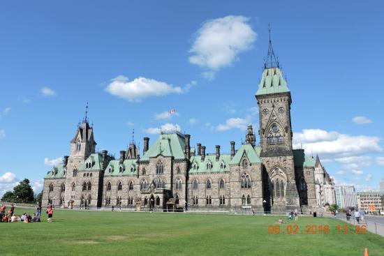 Ottawa, Canadá: 大門右辺的Fremont Hotel