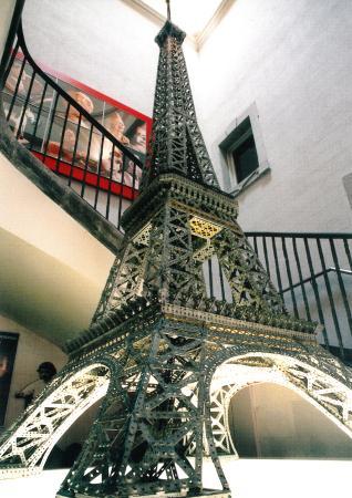 Museu del Joguet de Catalunya: Torre Eiffel de Meccano Foto © Jordi Puig
