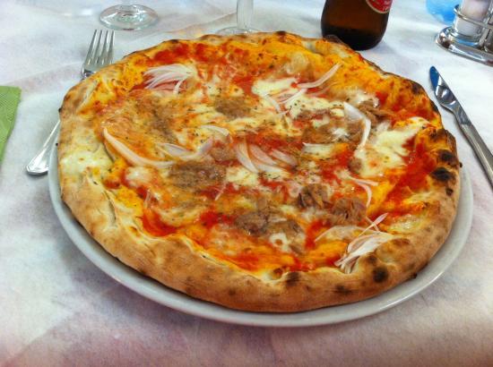 Da Maria Trattoria Pizzeria: Pizza al tonno e cipolle