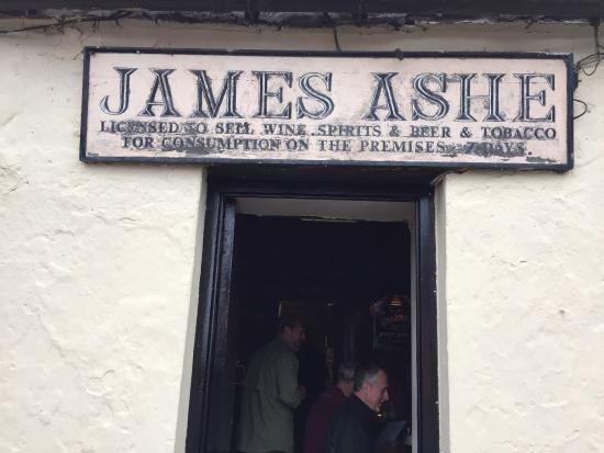Ashes Pub and Restaurant: photo0.jpg