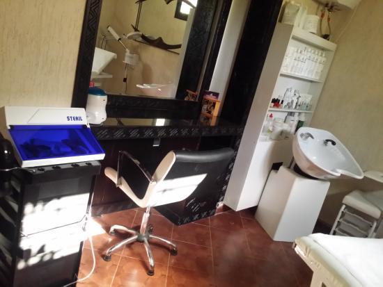 Salon de coiffure & Esthétique Univers d\'Argane - Picture of Univers ...