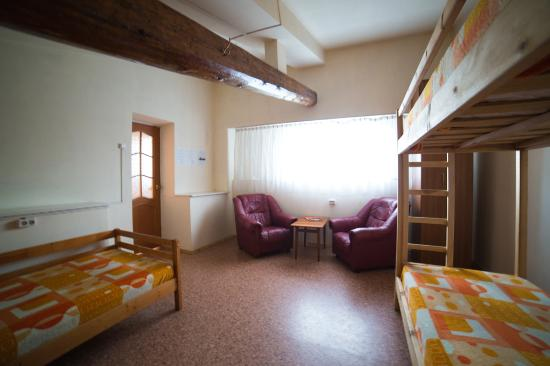 3 5 Bed Dormitory Room 24 M2 3 Single Beds 1 Bunk Bed