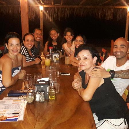Playa Venao, Panama: Compartiendo en familia, deliciosa cena, pizzas , tacos y jugos