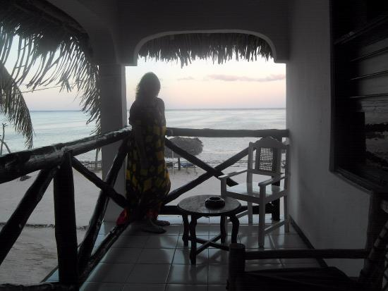 Makunduchi, Tanzania: in the evening infront of the room, beautiful view, La Madrugada
