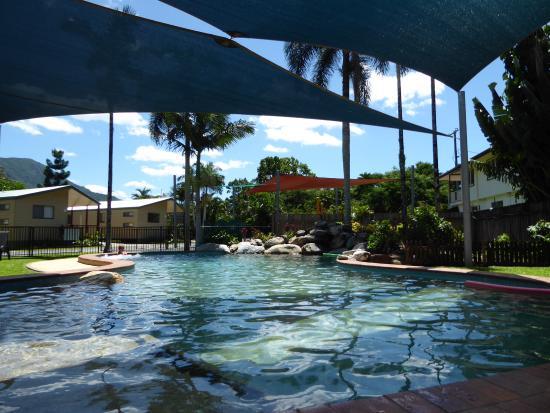 Overdekt zwembad, voor de broodnodige schaduw