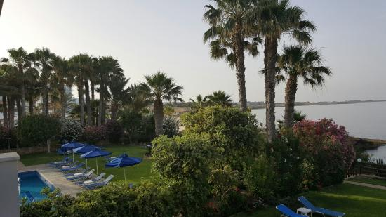 Rododafni Beach Holiday Apartments & Villas