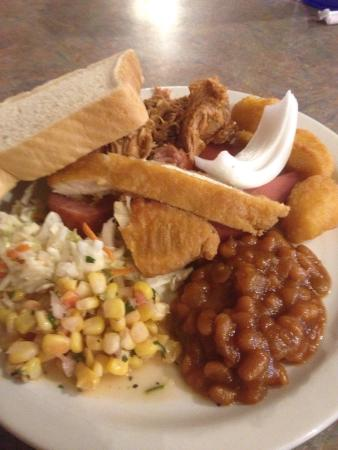Hickory House: Buffet Plate