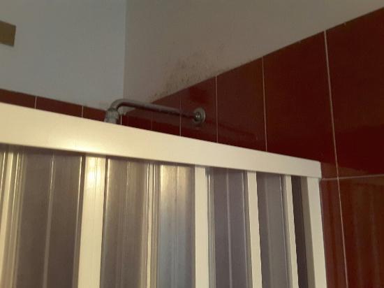 Hotel Le Querce: Das Badezimmer