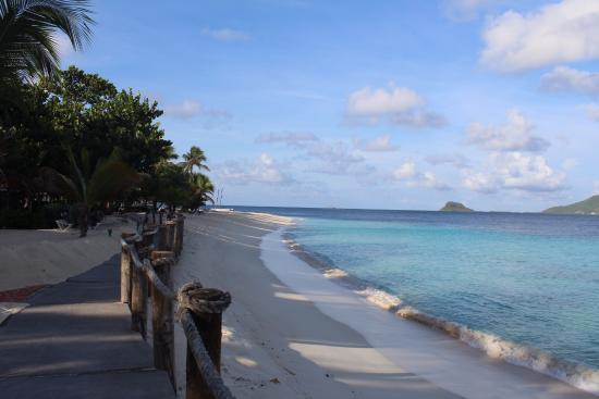 Palm Island Resort & Spa Photo