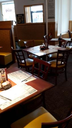 Littleton, NH: normal tables and chairs as well