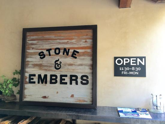 Philo, Califórnia: Stone & Embers