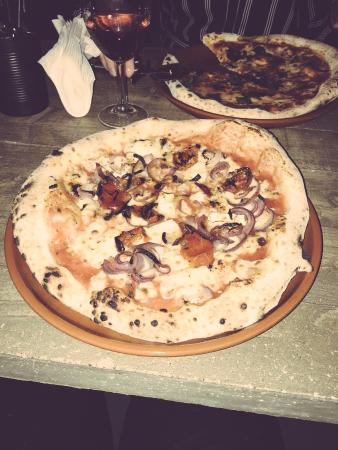Barbarossa Wood Fired Pizza Kitchen & Bar