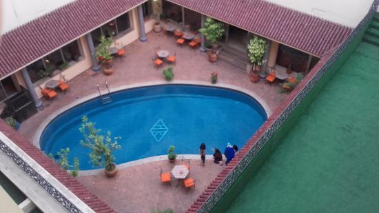 Hotel rif meknes maroc voir les tarifs 16 avis et 36 for Piscine 93