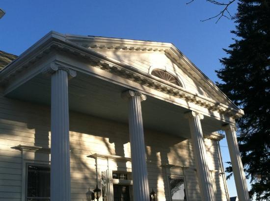 The Inn at Kettleboro: roofline