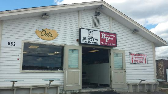 Dusty's Ice Cream Weekapaug