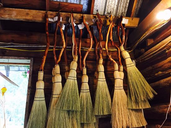 Crawford Bay, Kanada: Some of the brooms