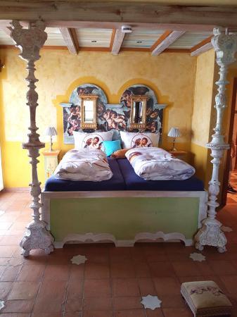 Haus Silbermond: Big bed