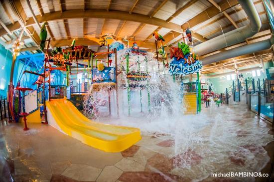 Play Area Picture Of Splash Cincinnati Indoor Water Park Cincinnati Tripadvisor
