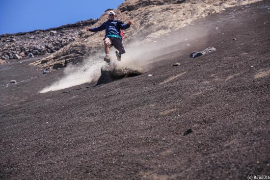 """Chã das Caldeiras, Cabo Verde: """"downclimbing"""" the volcano !"""