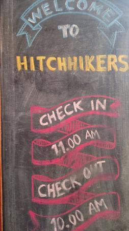 Hitchhikers Backpackers Cusco Hostel : Placa de entrada