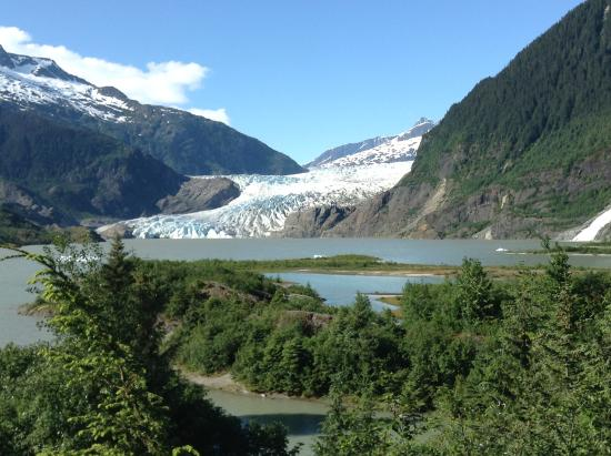 Mendenhall Glacier Visitor Center: It's a gorgeous day at Mendenhall Glacier! June 10, 2016