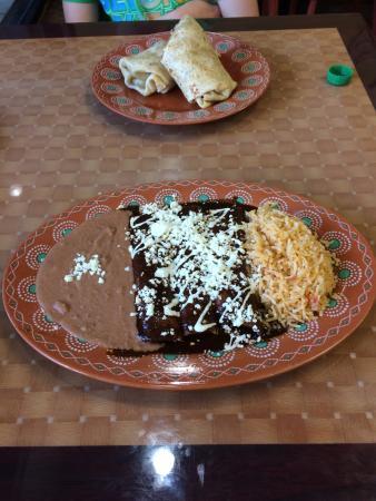 Luna y Sol Mexican Grill