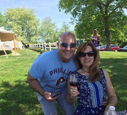 North Stonington, CT: Good company, wine and sun!