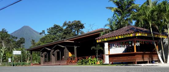 Arenal Green Hotel: Reception and Restaurant