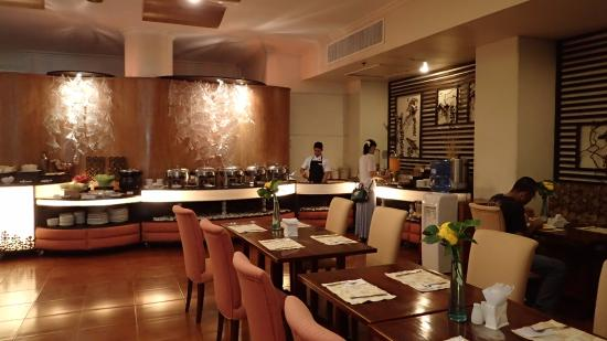 The Bellavista Hotel: 朝食会場