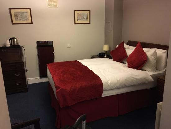 Charleville Lodge: photo3.jpg