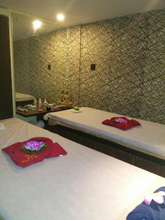 25 Chowringhee Salon & Spa Studio