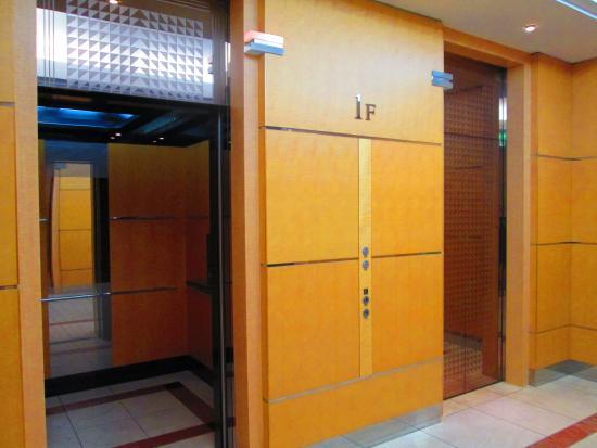 Keisei Hotel Miramare : 1Fエレベーターホール (Elevator Hall)