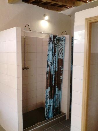 Autocamp Aloa  Communal bathroom   showers. Communal bathroom   showers   Picture of Autocamp Aloa  Brac