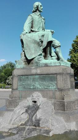 Guericke Denkmal