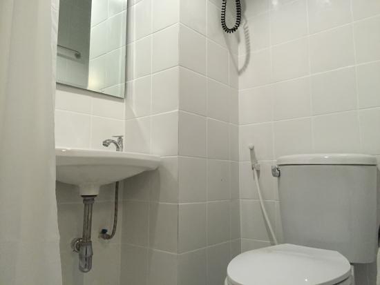Ensuite Bathroom No Window double room ensuite no window - picture of cooper, bangkok