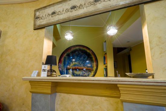 Desusino Residence & Hotel : La reception