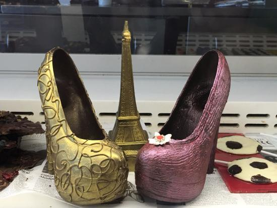 b6933a04cef44 Cinderella chocolate shoes. - Picture of The Rolling Pin, Mumbai ...