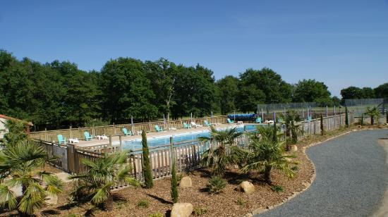 La Boissiere-de-Montaigu, Frankrike: le cote de la piscine
