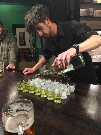 Moravia, Tsjekkia: Sajmon and absinth