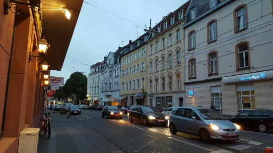 Zur Sulzburg